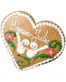 Alsatian gingerbread heart decorated with swans