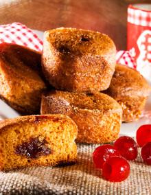6 Nonnette honey cakes with cherry filling