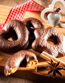 Selection of milk chocolate hearts/stars/bretzels